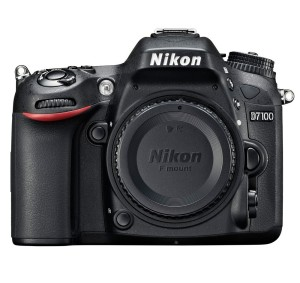 Nikon D7100 24.1 MP DX-Format CMOS Digital SLR with 18-140mm f3.5-5.6G ED VR Auto Focus-S DX NIKKOR Zoom Lens
