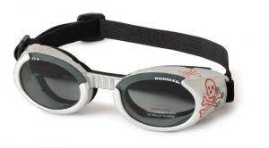 Doggles Dog Goggles ILS With Skull Crossbones Smoke Lens - Small