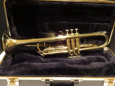 Bach TR300H2 American Student Trumpet Outfit (Lacquer)